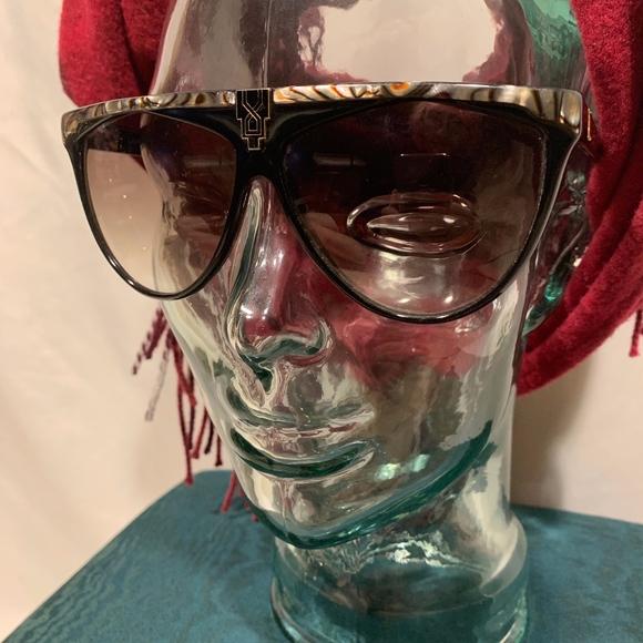 Laura Biagiotti Accessories - Vintage Laura Biagiotti Sunglasses